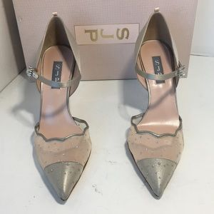 SJP Sarah Jessica Grey Wedding Heels Pumps